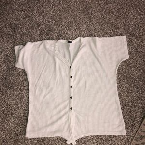 White top in size Large